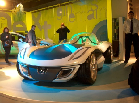 Nice Car of the Future in Paris, not like my Peugeot 206